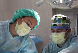 Primäre Anastomose dem Hartmann-Verfahren bei Patienten mit komplizierter Divertikulitis überlegen